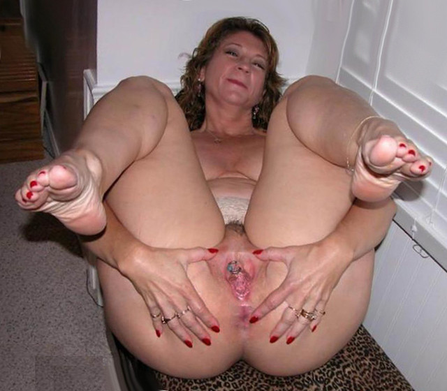 mature milf pussy galleries mature pussy porn mom milf wife photo granny spread wide soles