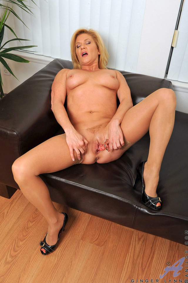 mature milf pussy galleries pussy galleries milf samples ginger lynn gingerlynn