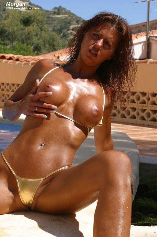 Milf in bikinis free pics