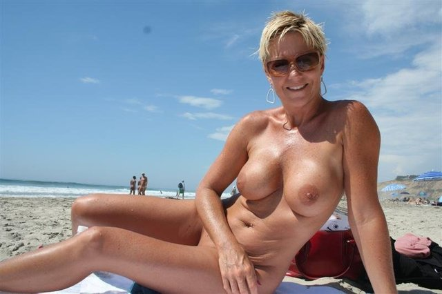 mature mom pic galleries mature mom galleries fucking toys moms inexperienced