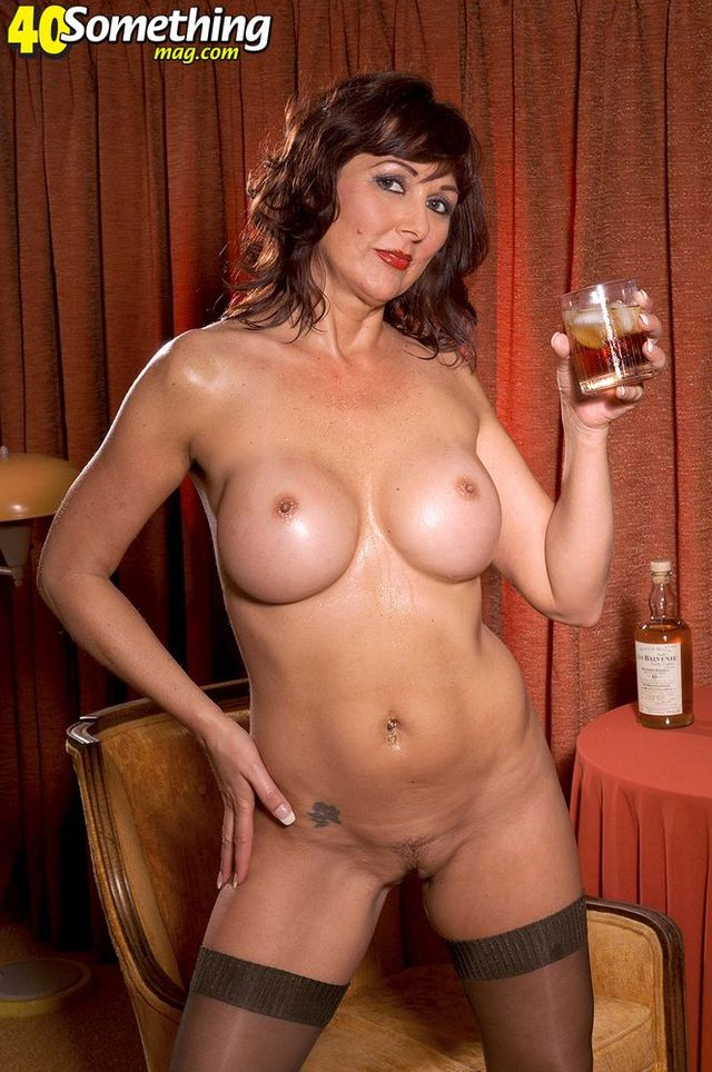 mature mom porn mature nude pics mom picpost thmbs drink