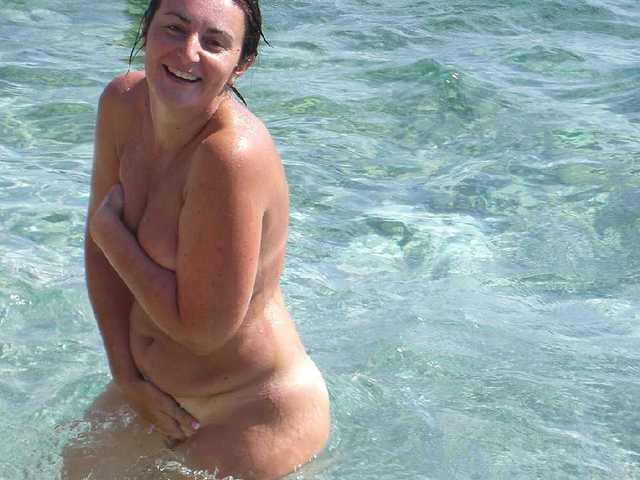 mature moms milf skinnydipping