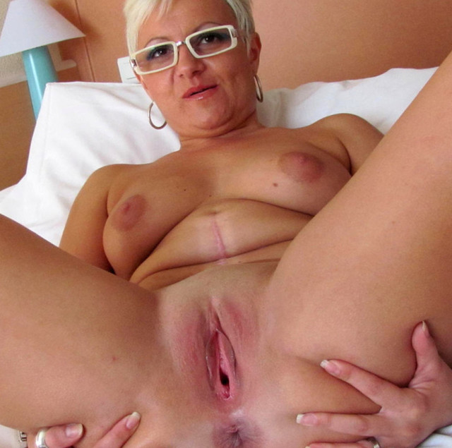 mature moms pussy mature pussy pics mom blowjob milf blonde granny spread busty