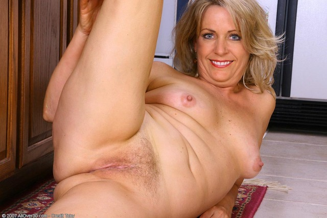mature nudes pics galleries allover leah