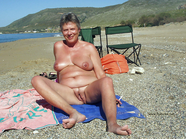mature nudist gallery pictures