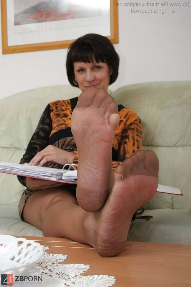 mature nylons porn mature albums main feet nylons