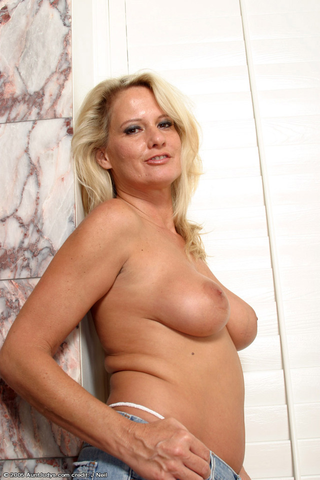 mature porn aunt mature porn woman photo gallery from zoey aunt judy judys