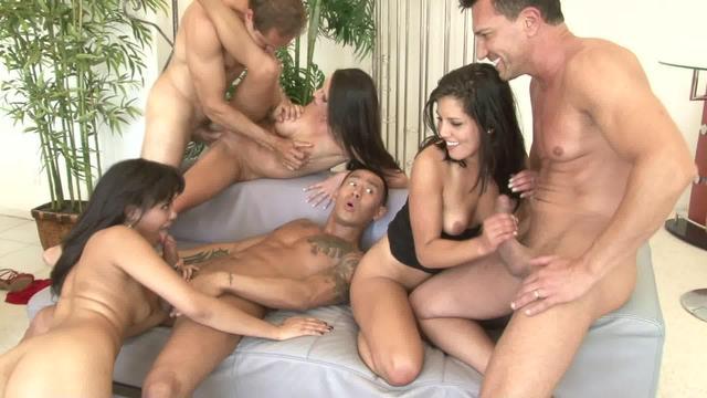 бесплатные порно ролики семейная групповуха