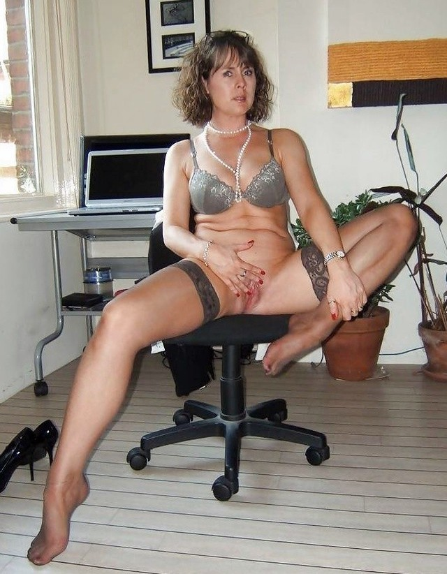 mature pron pic mature fuck horny needs quality pron someone