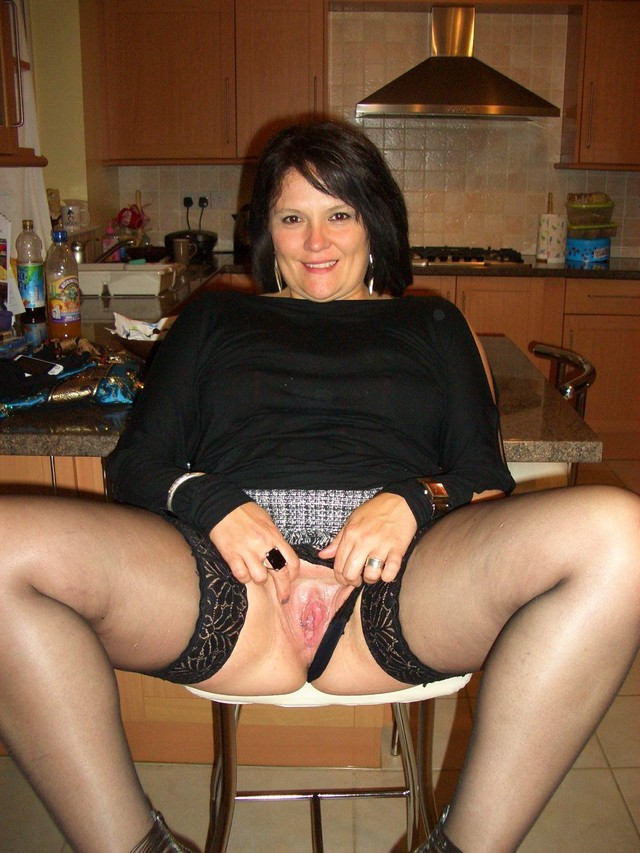 mature pron pic mature housewife kitchen showing pink