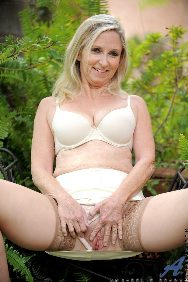 mature puss pic mature pussy pictures pics galleries fingers naughty anilos outdoors brady aad cba annabelle needy