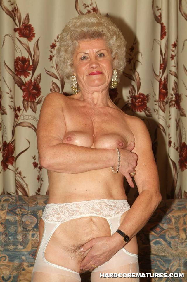 mature pussy licking galleries mature pussy media galleries granny lesbian licking grannies