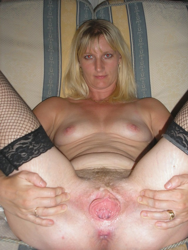 mature pussy pics amateur mature pussy pics open blonde panties legs spread