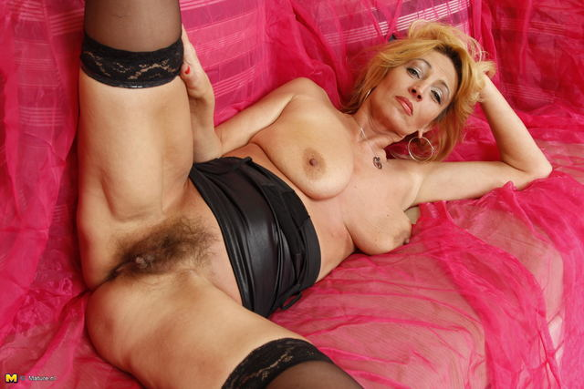 mature pussy pics mature pussy free hairy milf horny showing mexican hairypics