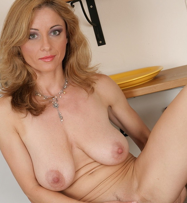 mature pussy pictures mature pussy