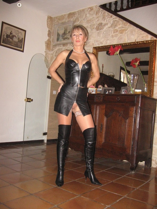 mature sexy milf pics free galleries milf over fetish sexy knee boot