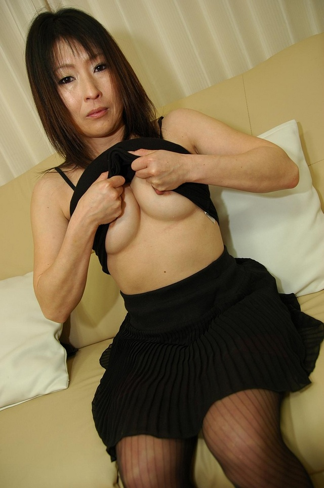 mature sexy moms pussy galleries pic gthumb shaved harue nomura maikomilfs