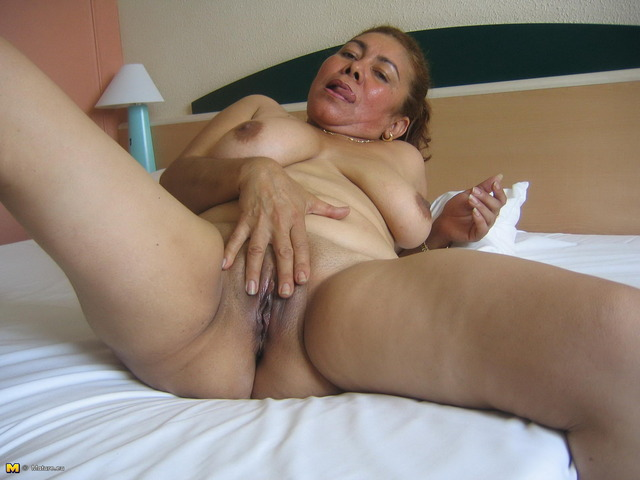 mature slut photos mature pictures free picture track affiliates