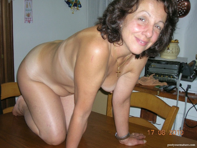 mature small boobs mature pictures albums userpics women tits saggy small