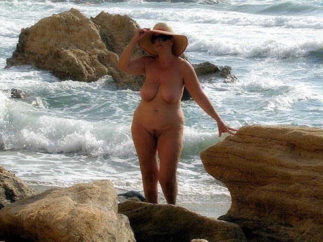 mature spanish porn mature pussy pictures free galleries beach male nudist spanish myrtle escorts backpage