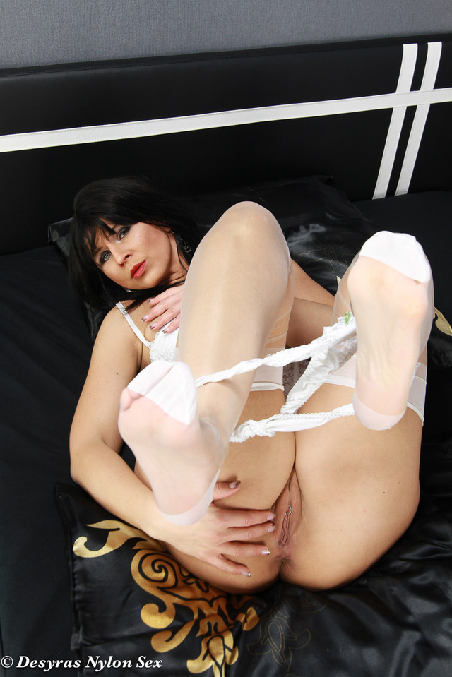 mature stockings porn pics mature porn pictures pics milf angel fetish stockings feet nylon nylons german foot desyras