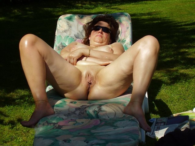 mature swinger porn pics mature galleries fucking wife beach watching swinger nudist wive