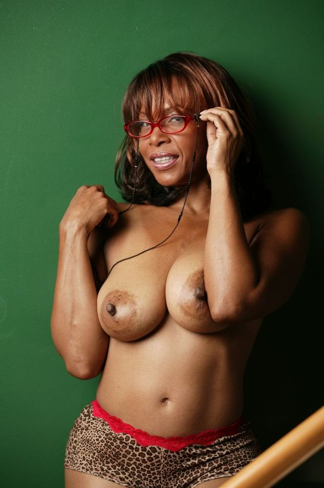 mature tits galleries mature black large tits solo ebony ldj prgh ebonylog