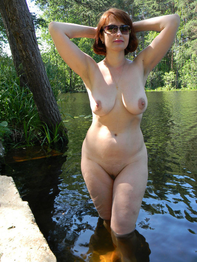 mature tits pics mature wife russian boobs posing outdoors xxxl