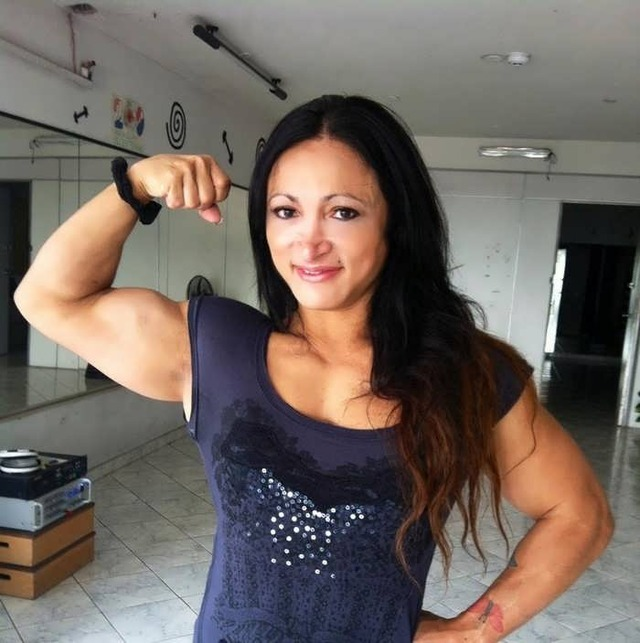 mature topless women female breasted bodybuilders