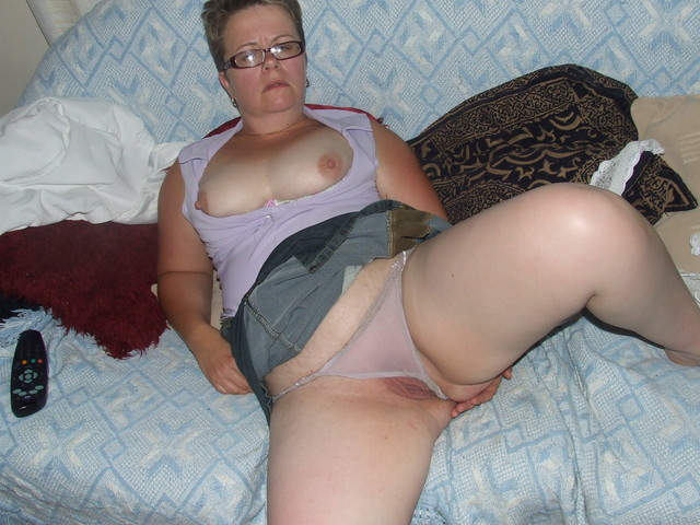 mature wife pic amateur mature pussy porn wife photo spreading dildo chubby fat bondage