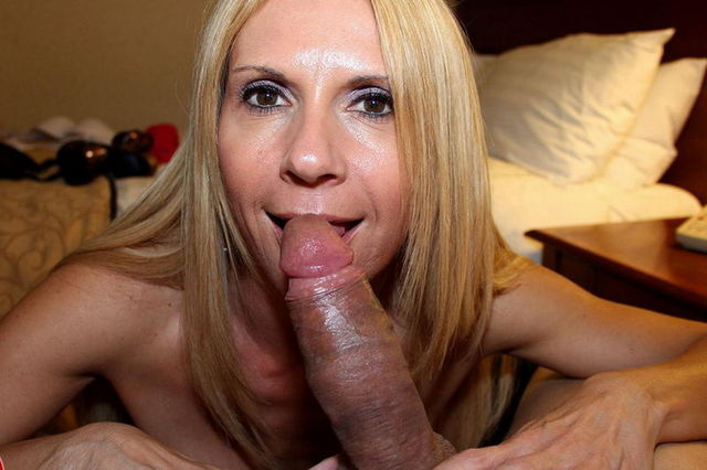 mature wife picture galleries mature blowjob galleries gallery shemales