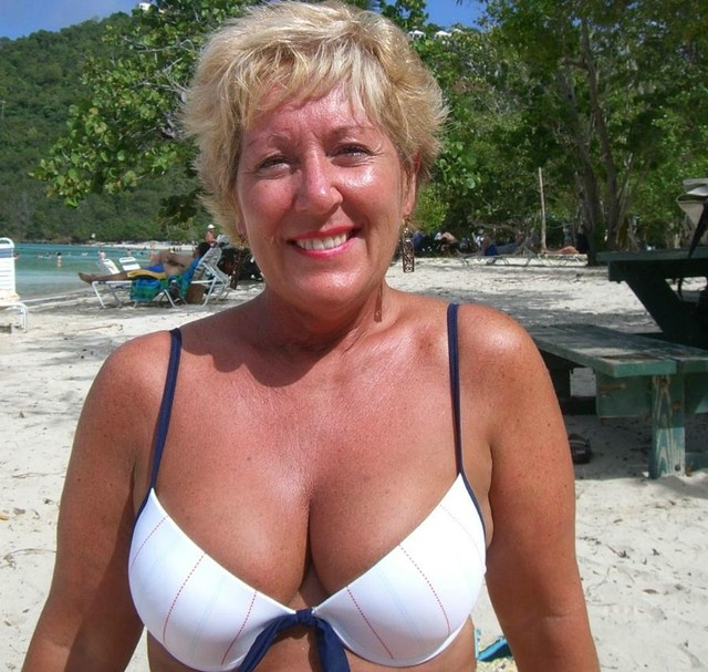 mature wife sexy pics cab