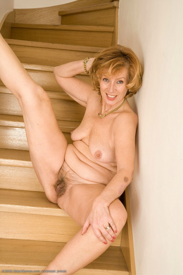 mature woman nude photos page