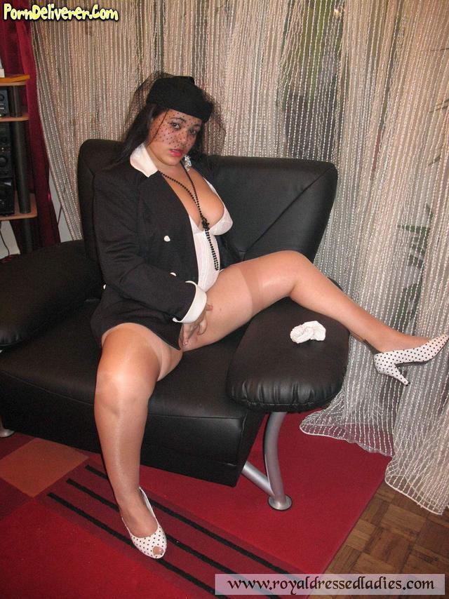 mature woman web sites jpg 853x1280