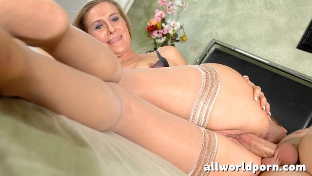 mature women in pantyhose porn mature woman fucking pantyhose
