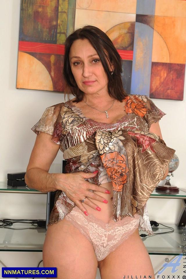 mature women nude photos mature nude galleries women videos boobs sexy