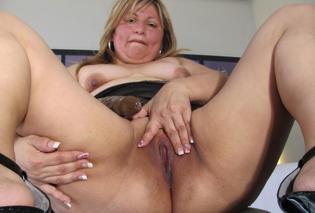 medium sized milf nude pics