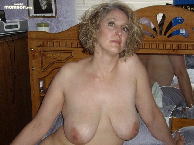 milf nude moms nude mom old mother milf blonde busty beautiful year sitting bed posing