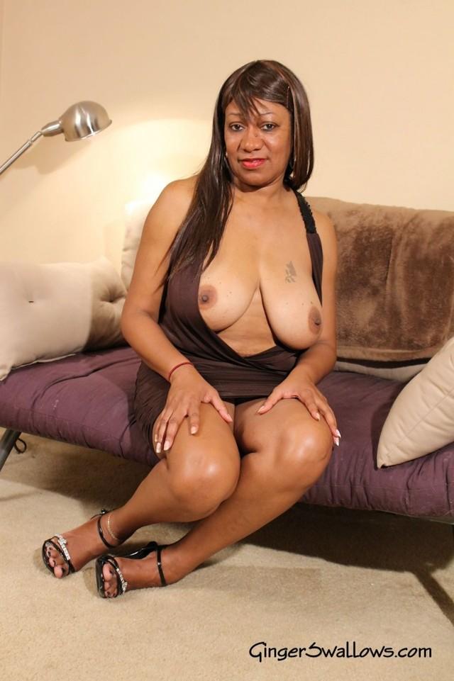 57year old ebony milf andraya masturbates her mature pussy 2