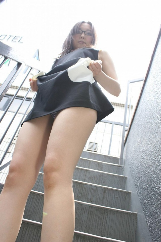 milf upskirt pictures page category gallery japanese girls