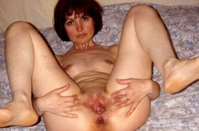 milf wife photo mature pussy pics mom milf wife granny slut spread wide