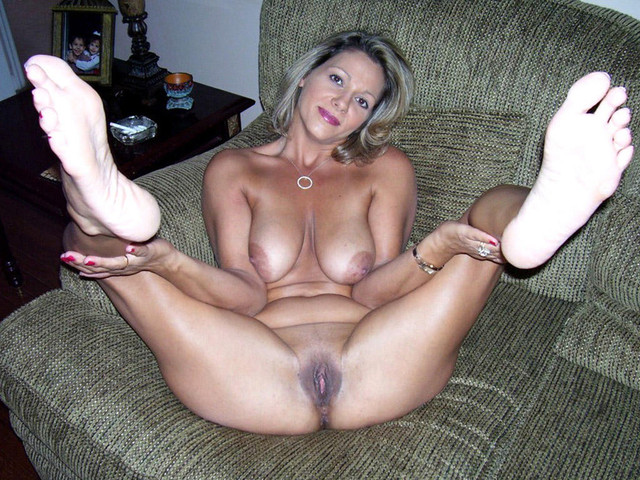 milf with pics amateur juicy pussy porn milf photo nipples dark