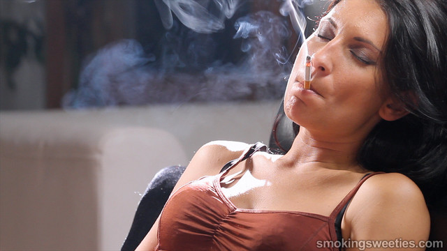 milf woman photo porn milf photo hot fetish smoking spanish raquel chain