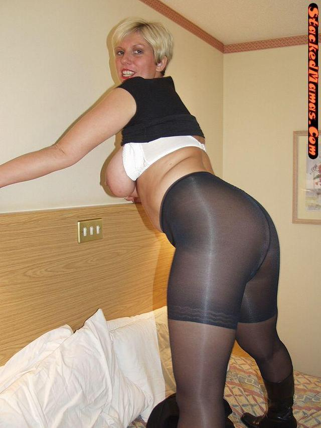 Moms in pantyhose tgp