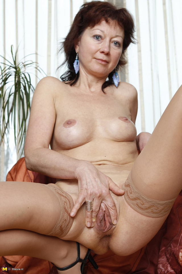Natural mature mother galleries