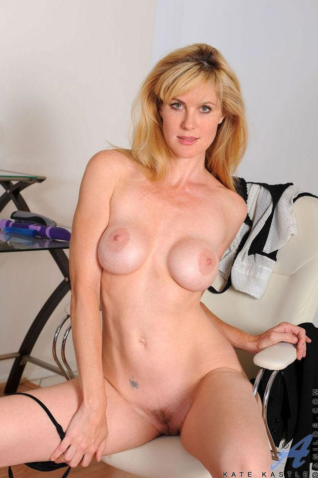 naked moms self pics galleries