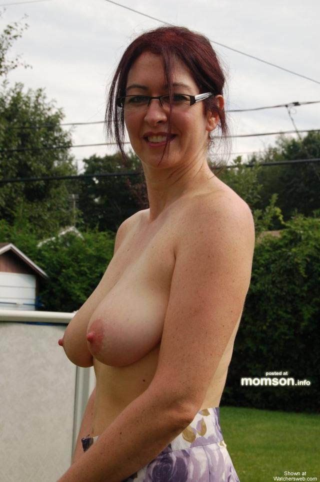 naked moms naked mother   canadian nakedmoms momson