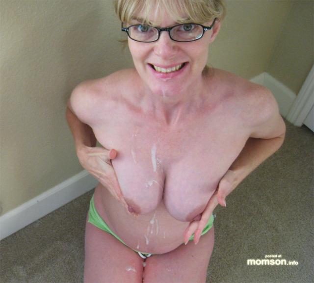 body nude Mom