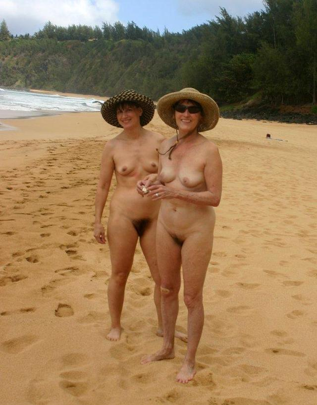 mother and daughter nudists