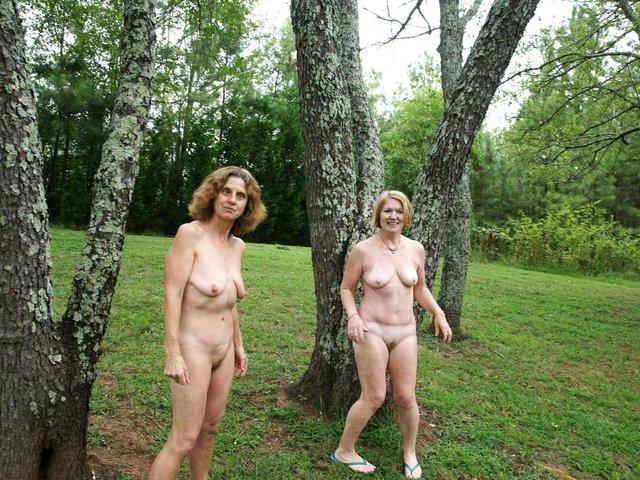 Erotic Outdoor pictures, Nude Outdoor pics
